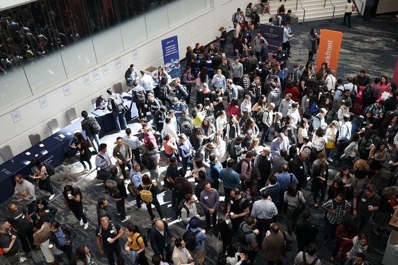 networking-en-eventos-conferencias-contactos